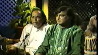Video Chadhta suraj dheere dheere dhalta hai dhal jaaega, Aziz Naza live at Canada MP3, 3GP, MP4, WEBM, AVI, FLV Desember 2018