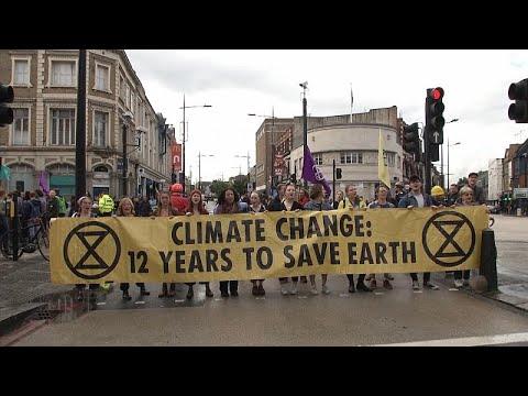 Διαδήλωση για την ατμοσφαιρική ρύπανση στο κέντρο του Λονδίνου…