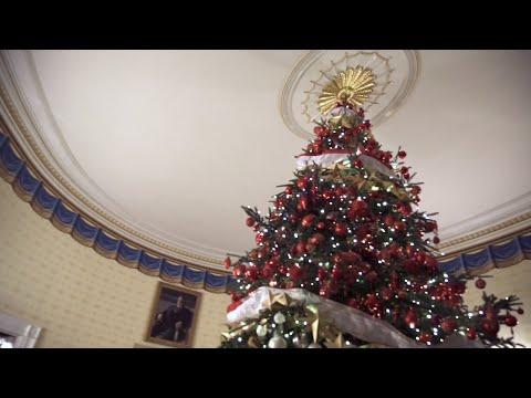 Přes virtuální realitu nahlédnete, jak vypadají Vánoce v Bílém domě