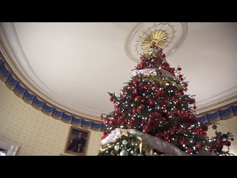 Take a 360  Virtual Tour of the White House  s Holiday