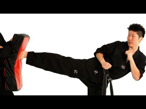 How To Do A Side Kick | Taekwondo Training