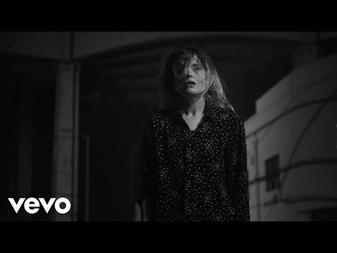 The Dead Weather - I Feel Love