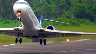 Video Pesawat Garuda Indonesia CRJ1000 Next Generation Jet Explore (Pesawat Garuda Indonesia Take Off) MP3, 3GP, MP4, WEBM, AVI, FLV November 2018