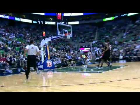Gerald Wallace blocks Gordon Hayward