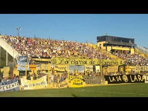 """""""La 14"""" alentando al equipo - La Barra de Flandria - Flandria"""