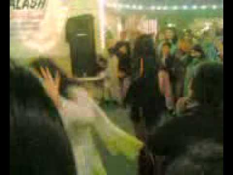 PESHAWAR GIRL DANCEING IN PARTY UPLOAD BY JAVED KHAN