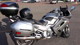 1. 2010 Yamaha FJR1300 review