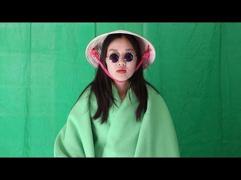 """Cô gái gốc Việt """"chế"""" cải lương dạy Anh Ngữ, trên 2 triệu người xem (2/2) - Thời lượng: 6 phút, 42 giây."""