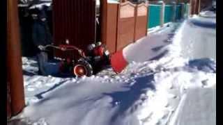 Уборка снега мотоблоком Мотор Сич и лопата отвал снегоуборщик своими руками