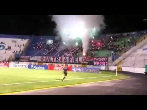 Ultra Fiel - Show De Luces  || Club Olimpia Deportivo vs Victoria || - La Ultra Fiel - Club Deportivo Olimpia - Honduras - América Central
