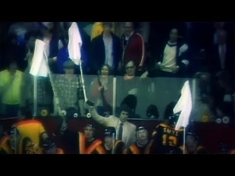 Video: Canucks vs. Blackhawks, Campbell Conference Final, Game 2 - April 29, 1982 | NHL Classics