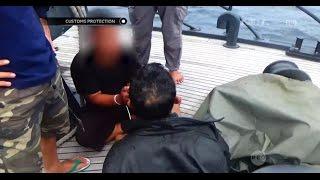 Video Penangkapan Tersangka Penyelundupan Sabu Lewat Kapal Laut - Customs Protection MP3, 3GP, MP4, WEBM, AVI, FLV Agustus 2018