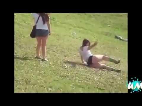 Những pha hài hước khi phụ nữ say