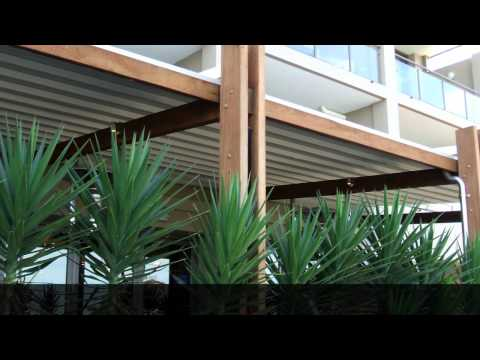 Fleetwood Retractable Roof by Viva Sunscreens