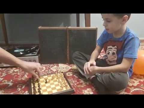 Граємо з сином в шахи
