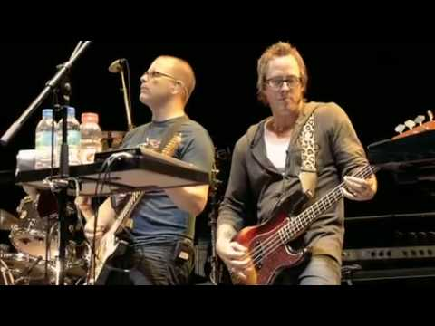 Weezer - Perfect Situation / Pork And Beans (Live @ Fuji Rock Festival '09)
