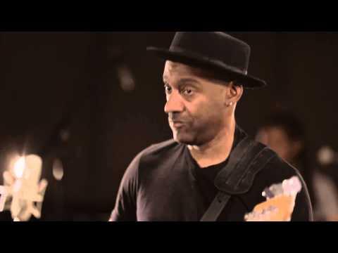Marcus Miller - Afrodeezia (?????DVD) online metal music video by MARCUS MILLER