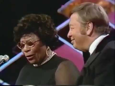 Scat, singing of nonsense words, performance by Ella Fitzgerald and Mel Torme (видео)