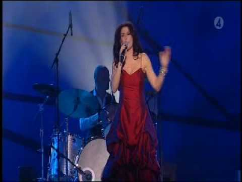 Jill Johnson: Jolene (performing Jolene by Dolly Pa ...