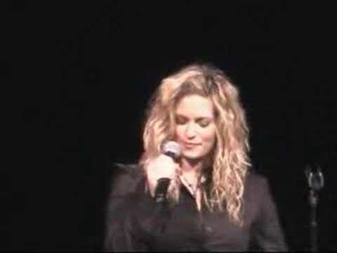 Rhiannon Singing