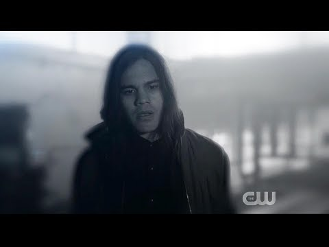 The Flash 6x05 Cisco and Breacher see Gypsy's death