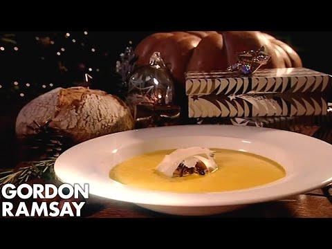 Gordon Ramsay's Pumpkin Soup With Wild Mushrooms - Thời lượng: 8 phút, 8 giây.