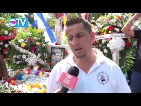 Una flor para el Cmte. Francisco Rivera Quintero ¨El Zorro¨