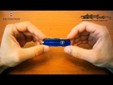 Briceag VICTORINOX albastru transparent 0.6223.T2