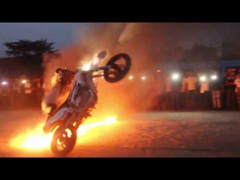 Video Rawbeen Stha Newar Bike Stunt 2017 Organized by : Holding Hands Foundation download in MP3, 3GP, MP4, WEBM, AVI, FLV January 2017