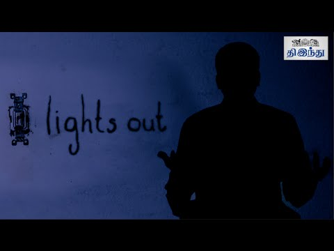 Lights-out-Review-Teresa-Palmer-Gabriel-Bateman-James-Wan-Selfie-Review