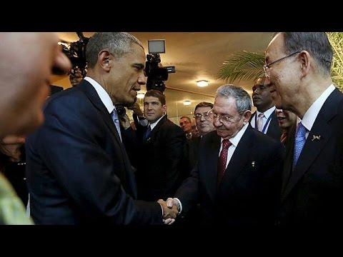 stretta di mano - obama e castro