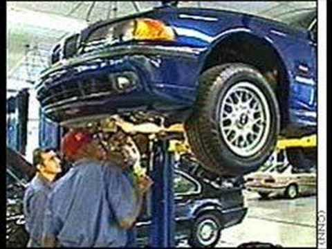 mechanics - Girl is pranked by her dad.. She dropps her car to the shop for a regular oil change... and omg.... she has no transmission in the car... and she fucking bel...