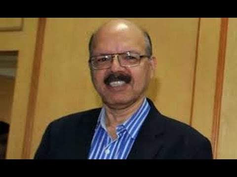Chief-Election-Commissioner-Nasim-Zaidi-arrives-in-Pondy-to-hold-election-disscussion