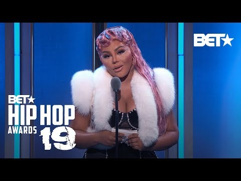 Lil Kim Thanks Family & Biggie As She Accepts 'I Am Hip Hop' Award! | Hip Hop Awards 2019