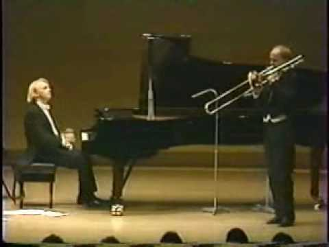 LINDBERG - The world's best trombone soloist - Christian Lindberg, with another fantastic pianist - Roland Pöntinen performing Csardas live! Enjoy!