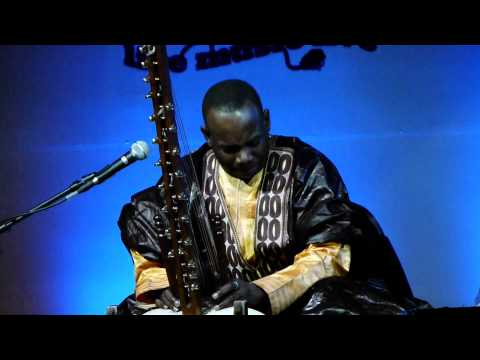Toumani Diabate playing the kora in New Delhi. Saturday, Dec 3, Nehru Park