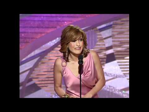 Mariska Hargitay Wins Best Actress TV Series Drama - Golden Globes 2005