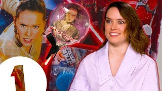 """Video """"I don't wanna be in someone's mouth!"""": Daisy Ridley on her Star Wars lollipops MP3, 3GP, MP4, WEBM, AVI, FLV Desember 2017"""