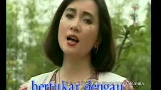 Download lagu Titiek Sandhora Merantau Mp3