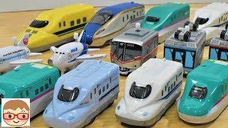 新幹線と電車と飛行機のおもちゃ、くるっぴーで遊んでみました(⌒▽⌒)くるっぴーの新幹線は東北新幹線はやぶさ、山陽・九州新幹線みずほ、さくら、N700系新幹線です。くるっぴーの電車は、湘南モノレール5000系とつくばエクスプレスTX-2000系。くるっぴーの飛行機は、JALとANAの飛行機です。走る!止まる!光る新幹線!はドクターイエローと、E5系、E7系、N700系の新幹線になります☆彡−−−−−−−−−−−−−−↓こちらの動画も人気です♪↓−−−−−−−−−−−−はたらくくるま(働く車)のおもちゃ のりもの ブーブー 重機 ショベルカー,ユンボ,ミキサー車,レッカー車,ダンプ,ゴミ収集車,バックホー,https://www.youtube.com/watch?v=tR-cJgMXkpIはたらくくるま ゴミ収集車、トラック、パトカー、救急車、消防車、ショベルカー、ダンプカー、ミキサー車、自動車が坂を下る!働く車の紹介! にーさら 20sarasahttps://www.youtube.com/watch?v=1gWF74XxQkgはたらくくるまのラジコン!人気の ショベルカー,ホイールローダー,消防ポンプ自動車,クレーン車,ダンプトラック,ゴミ収集車,コンクリートミキサー車( 水泥車)を紹介!https://www.youtube.com/watch?v=tR-cJgMXkpI−−−−−−−−−−−−−−−−−−−−−−−−−−−−−−−−−−−−−−−−−−−−−−−◆チャンネル登録はこちら↓(Subscribe)http://goo.gl/mTUINt◆にーさらのツイッター↓(Twitter)https://twitter.com/20sarasa