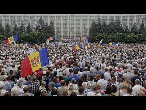 Μολδαβία: Μαζική αντικυβερνητική διαδήλωση στη σκιά σκανδάλου διαφθοράς