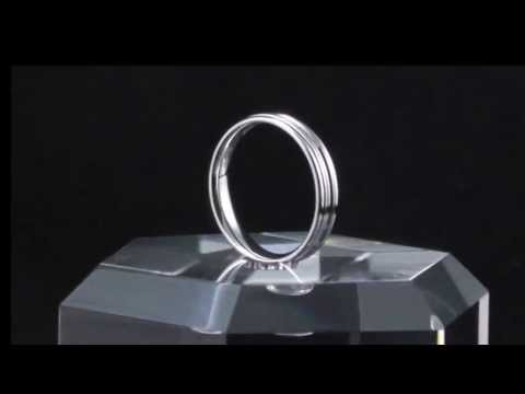 Classic Luxury: Men's White Gold Wedding Bands and Rings in 18K