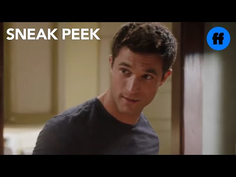 Stitchers | Season 1, Episode 9 Sneak Peek: Kirsten Gets A Text From Cameron | Freeform