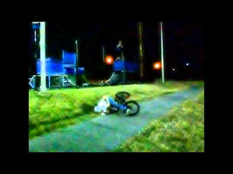 Mikie Perry Crazy Bmx Trick (Jumps over Skateparks fence!!) (Glen Burnie, Maryland Bikers)