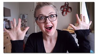 Happy Thursday Peeps! Hope you've had a fab week so far the weekend is nigh!!! So today's vlog is just a chat really, seeing how you are doing and what you are up to! Also mince pies are they suitable for eating in June ( I have a craving ) XD Stay awesome guys! Emira xOther Links:Twitter: https://twitter.com/cofgeeksFacebook: https://www.facebook.com/CoupleOfGeeks/Our Website: www.cofgeeks.comInstagram: https://www.instagram.com/coupleofgeekz/