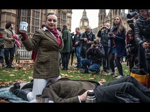 Video Massive Face Sit-In Against UK Porn Ban Outside Parliament download in MP3, 3GP, MP4, WEBM, AVI, FLV January 2017