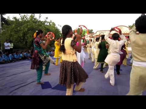 Cycle India 2012 – Dancing at Heal Village