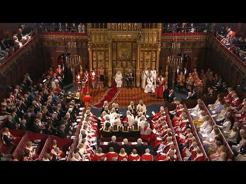 Video - Η ομιλία του Μπόρις Τζόνσον δια στόματος της Βασίλισσας Ελισάβετ για το Brexit