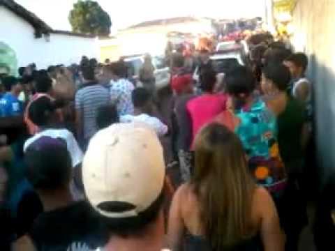Festa do Rosário 2011-Serro-Mg:Protesto em frente a delegacia de serro contra abuso de autoridade