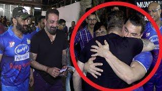 Video Sanjay Dutt Breaks Down & HUGS Salman Khan's Brother Sohail Khan Tightly In Public MP3, 3GP, MP4, WEBM, AVI, FLV Oktober 2018